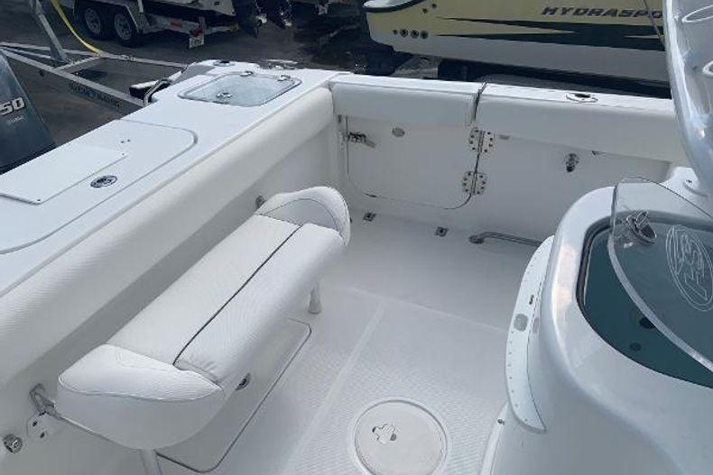 Thumbnail 2 for Used 2016 Sea Hunt 25 Gamefish boat for sale in Islamorada, FL