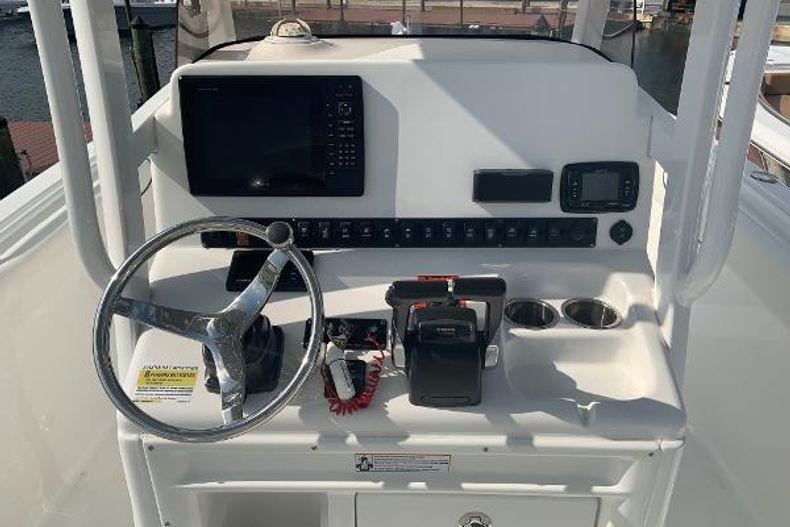 Thumbnail 4 for Used 2016 Sea Hunt 25 Gamefish boat for sale in Islamorada, FL