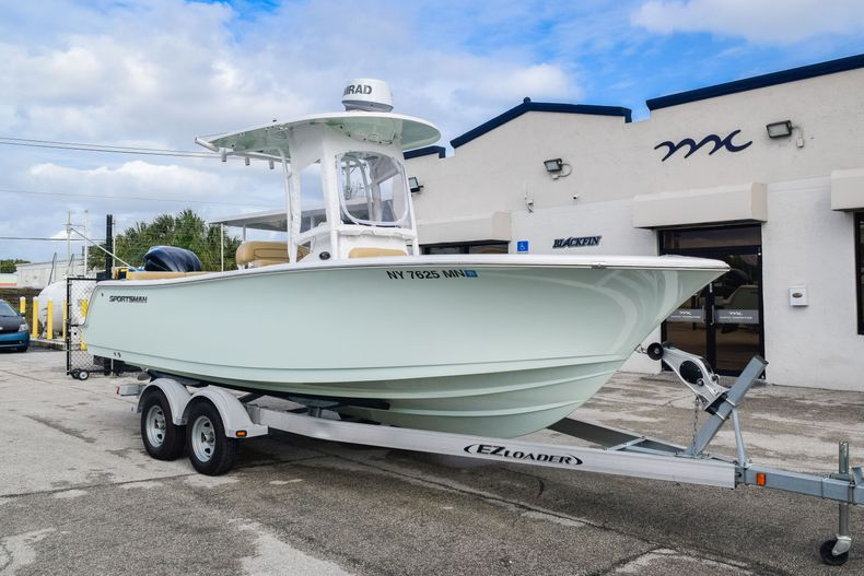 Thumbnail 1 for Used 2017 Sportsman 231 Heritage boat for sale in Fort Lauderdale, FL