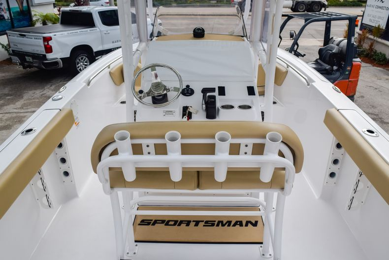 Thumbnail 16 for Used 2017 Sportsman 231 Heritage boat for sale in Fort Lauderdale, FL