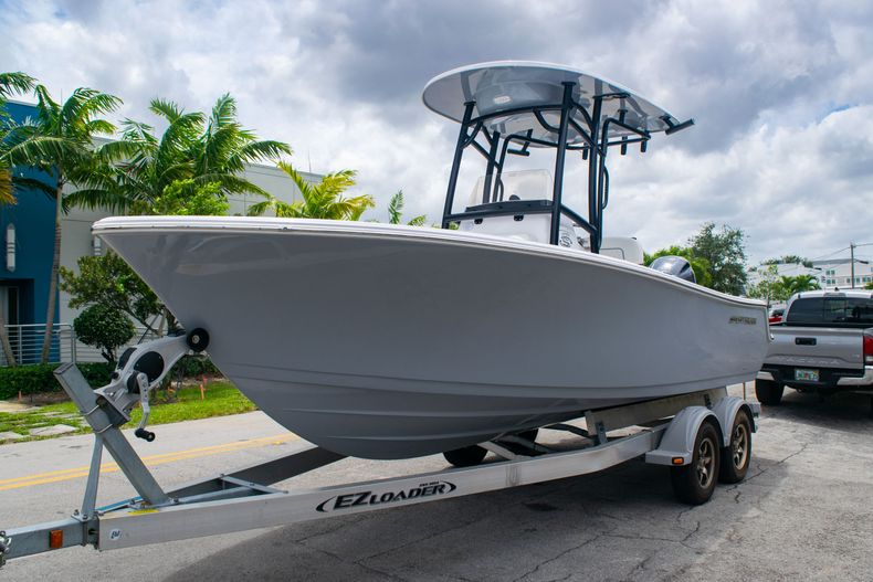 Thumbnail 3 for New 2020 Sportsman Open 212 Center Console boat for sale in Miami, FL
