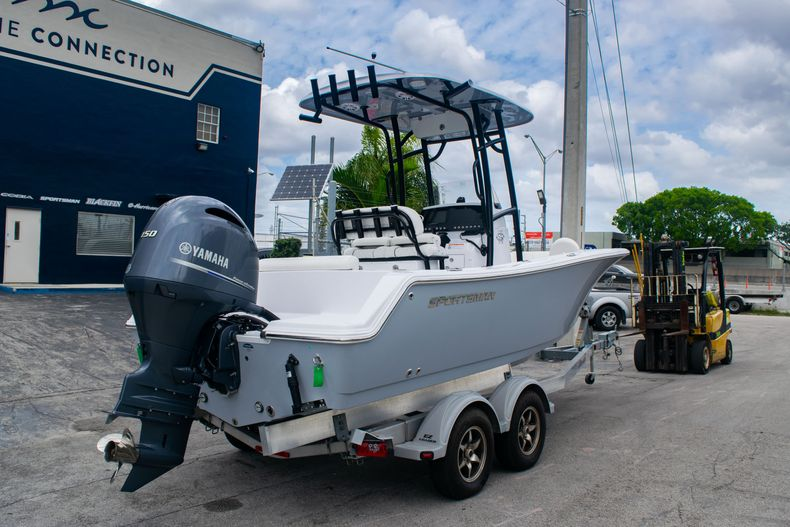 Thumbnail 7 for New 2020 Sportsman Open 212 Center Console boat for sale in Miami, FL