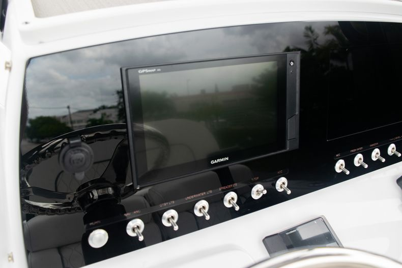 Thumbnail 26 for New 2020 Sportsman Open 212 Center Console boat for sale in Miami, FL