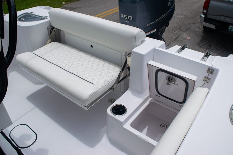 Thumbnail 12 for New 2020 Sportsman Open 212 Center Console boat for sale in Miami, FL