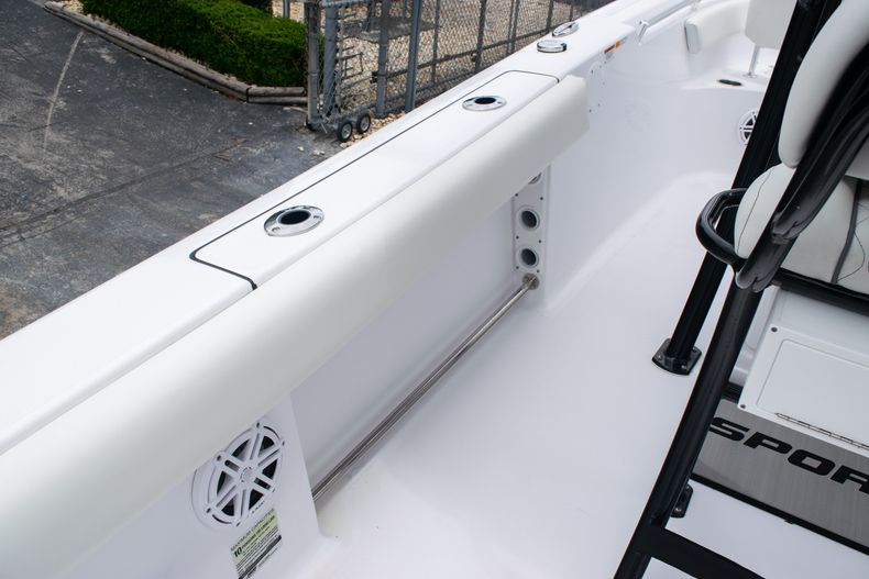 Thumbnail 16 for New 2020 Sportsman Open 212 Center Console boat for sale in Miami, FL