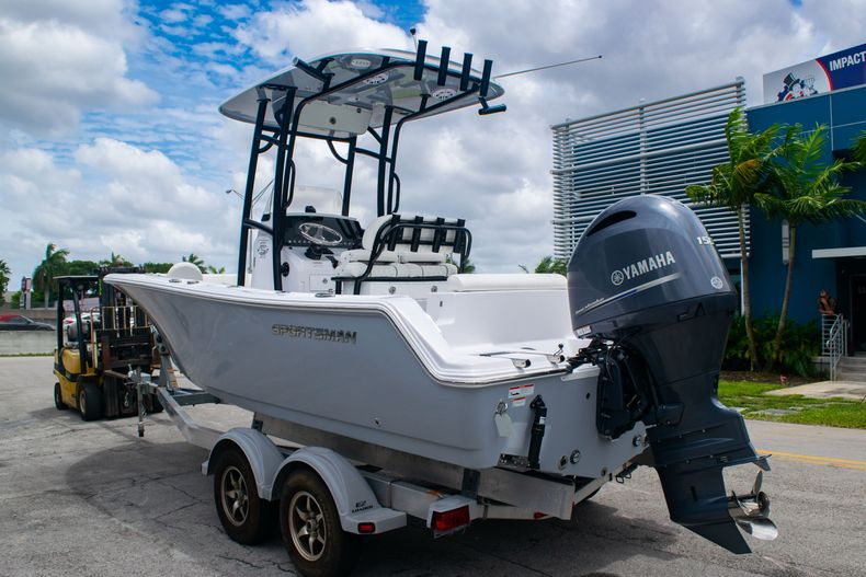 Thumbnail 5 for New 2020 Sportsman Open 212 Center Console boat for sale in Miami, FL