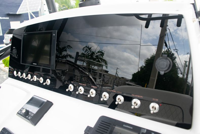 Thumbnail 25 for New 2020 Sportsman Open 212 Center Console boat for sale in Miami, FL