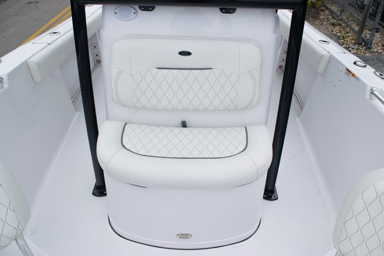 Thumbnail 41 for New 2020 Sportsman Open 212 Center Console boat for sale in Miami, FL