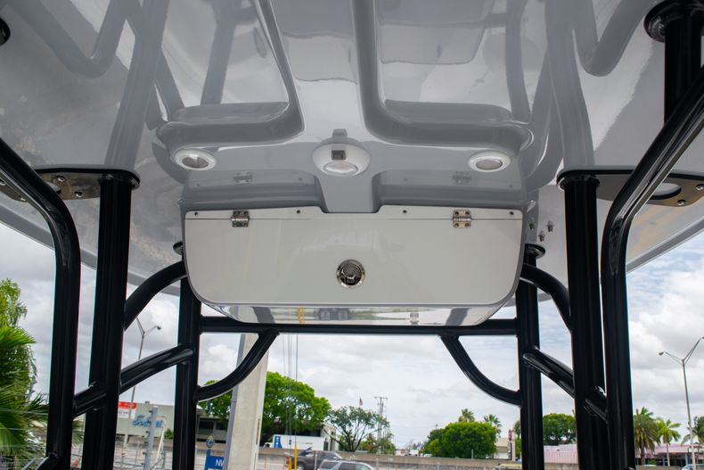 Thumbnail 17 for New 2020 Sportsman Open 212 Center Console boat for sale in Miami, FL