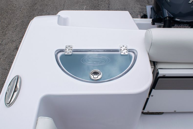 Thumbnail 9 for New 2020 Sportsman Open 212 Center Console boat for sale in Miami, FL