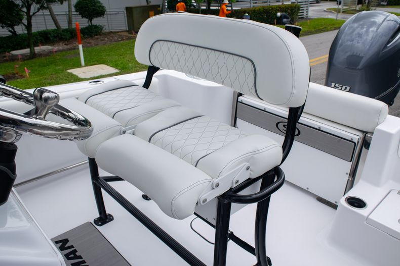 Thumbnail 32 for New 2020 Sportsman Open 212 Center Console boat for sale in Miami, FL