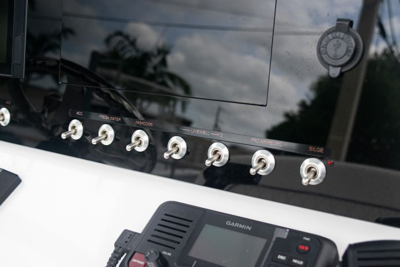 Thumbnail 24 for New 2020 Sportsman Open 212 Center Console boat for sale in Miami, FL