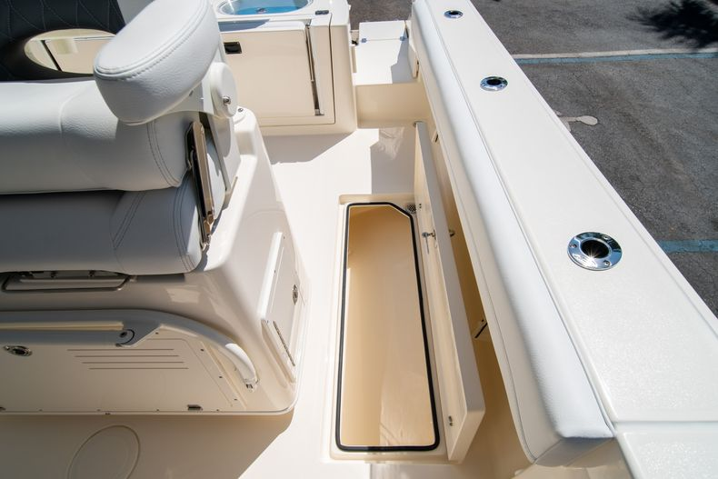 Thumbnail 22 for New 2020 Cobia 280 CC Center Console boat for sale in West Palm Beach, FL