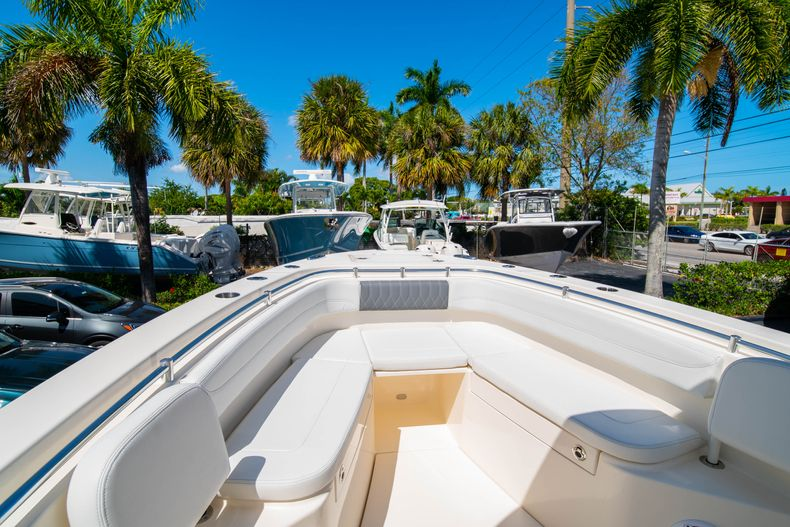 Thumbnail 37 for New 2020 Cobia 280 CC Center Console boat for sale in West Palm Beach, FL