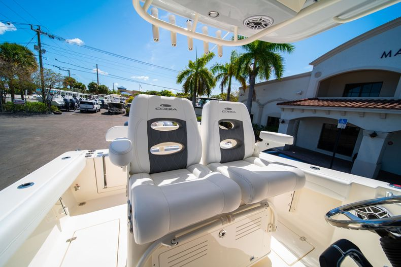 Thumbnail 31 for New 2020 Cobia 280 CC Center Console boat for sale in West Palm Beach, FL