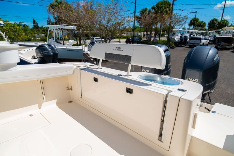 Thumbnail 11 for New 2020 Cobia 280 CC Center Console boat for sale in West Palm Beach, FL