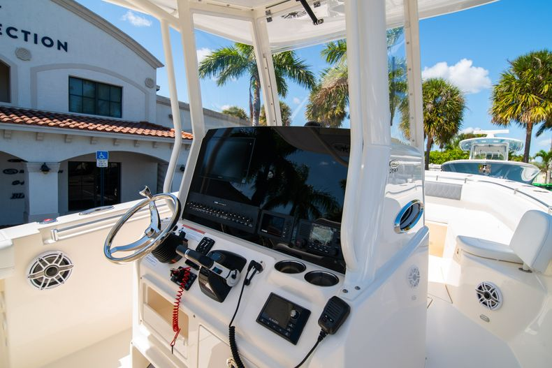 Thumbnail 23 for New 2020 Cobia 280 CC Center Console boat for sale in West Palm Beach, FL