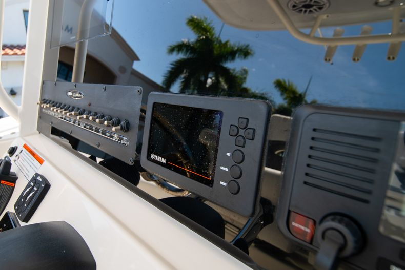 Thumbnail 26 for New 2020 Cobia 280 CC Center Console boat for sale in West Palm Beach, FL