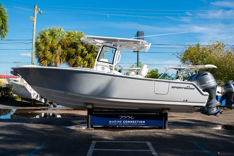 Thumbnail 4 for New 2020 Sportsman Open 252 Center Console boat for sale in West Palm Beach, FL