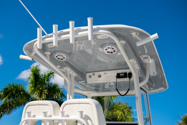 Thumbnail 8 for New 2020 Sportsman Open 252 Center Console boat for sale in West Palm Beach, FL