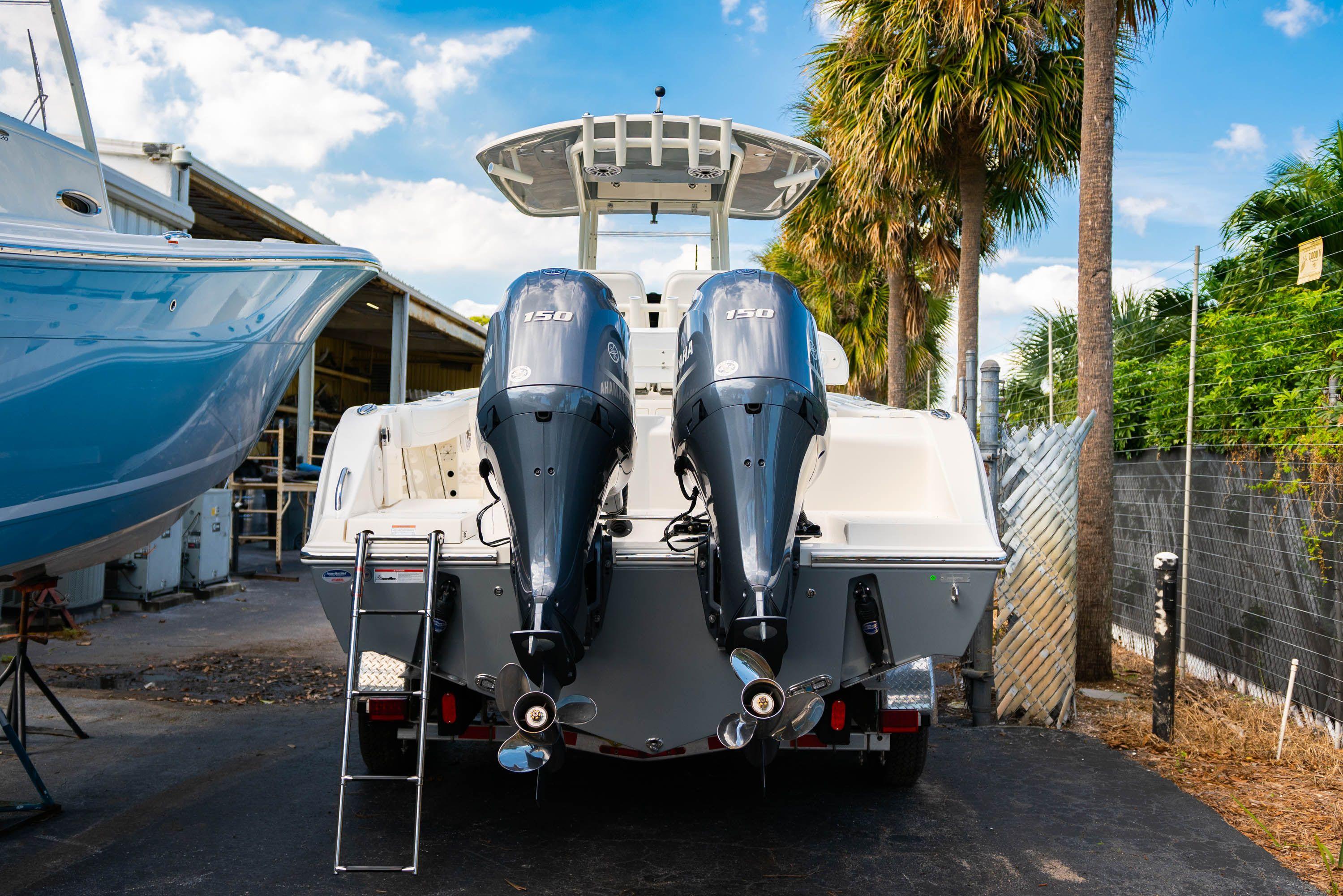 Thumbnail 2 for New 2020 Cobia 262 CC Center Console boat for sale in Vero Beach, FL
