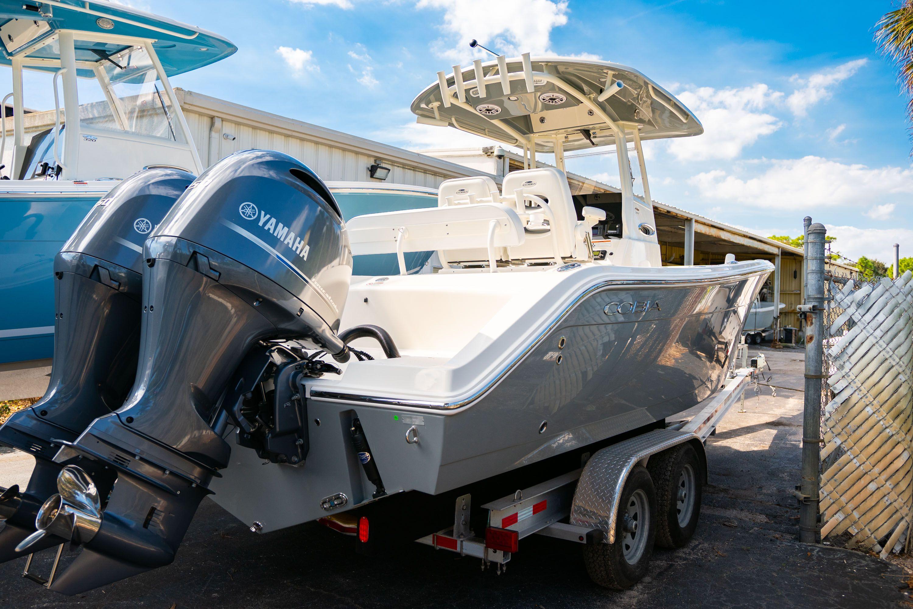 Thumbnail 3 for New 2020 Cobia 262 CC Center Console boat for sale in Vero Beach, FL