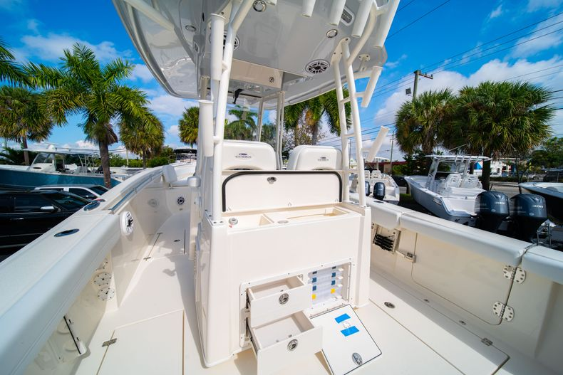 Thumbnail 22 for New 2020 Cobia 301 CC Center Console boat for sale in West Palm Beach, FL
