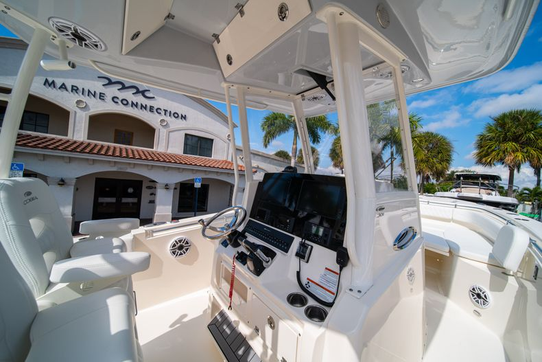 Thumbnail 26 for New 2020 Cobia 301 CC Center Console boat for sale in West Palm Beach, FL