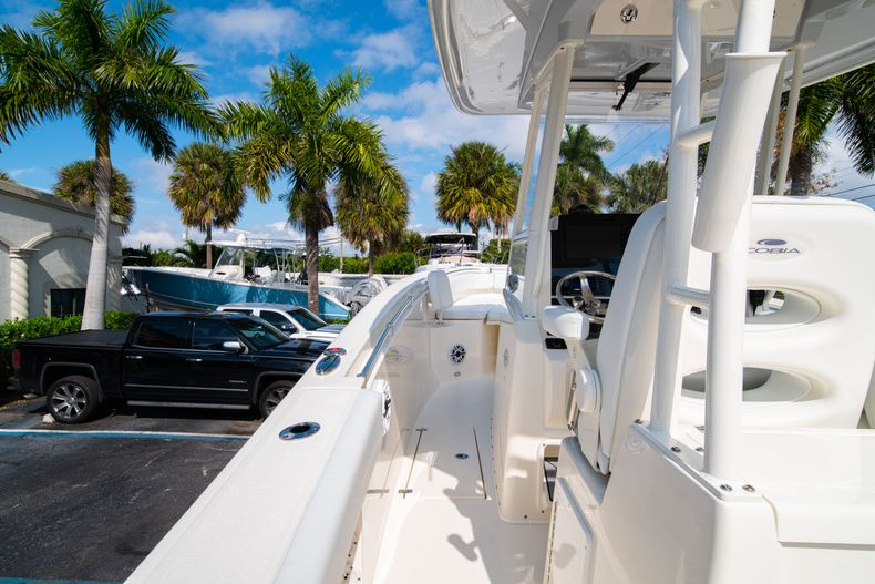Thumbnail 23 for New 2020 Cobia 301 CC Center Console boat for sale in West Palm Beach, FL