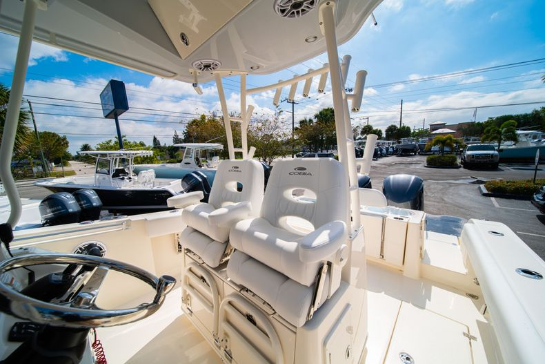 Thumbnail 36 for New 2020 Cobia 301 CC Center Console boat for sale in West Palm Beach, FL