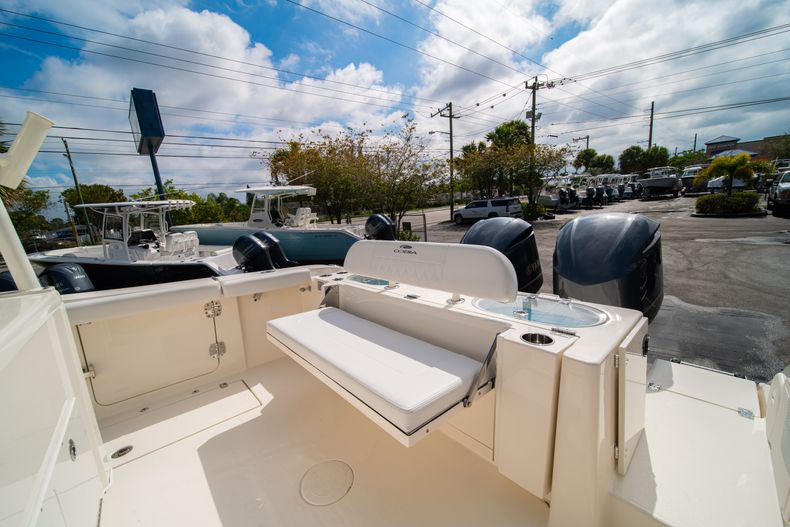 Thumbnail 14 for New 2020 Cobia 301 CC Center Console boat for sale in West Palm Beach, FL