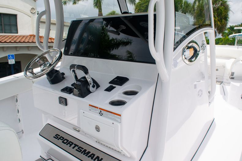 Thumbnail 25 for New 2020 Sportsman Open 312 Center Console boat for sale in West Palm Beach, FL