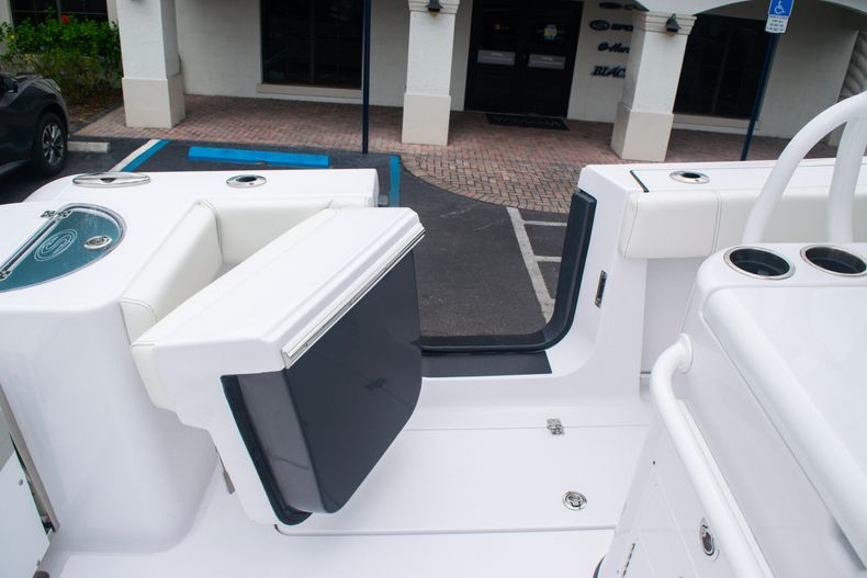 Thumbnail 20 for New 2020 Sportsman Open 312 Center Console boat for sale in West Palm Beach, FL