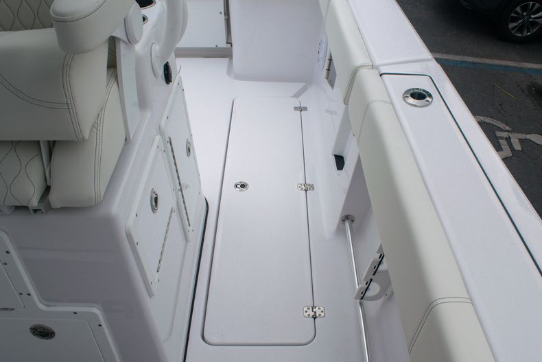 Thumbnail 21 for New 2020 Sportsman Open 312 Center Console boat for sale in West Palm Beach, FL