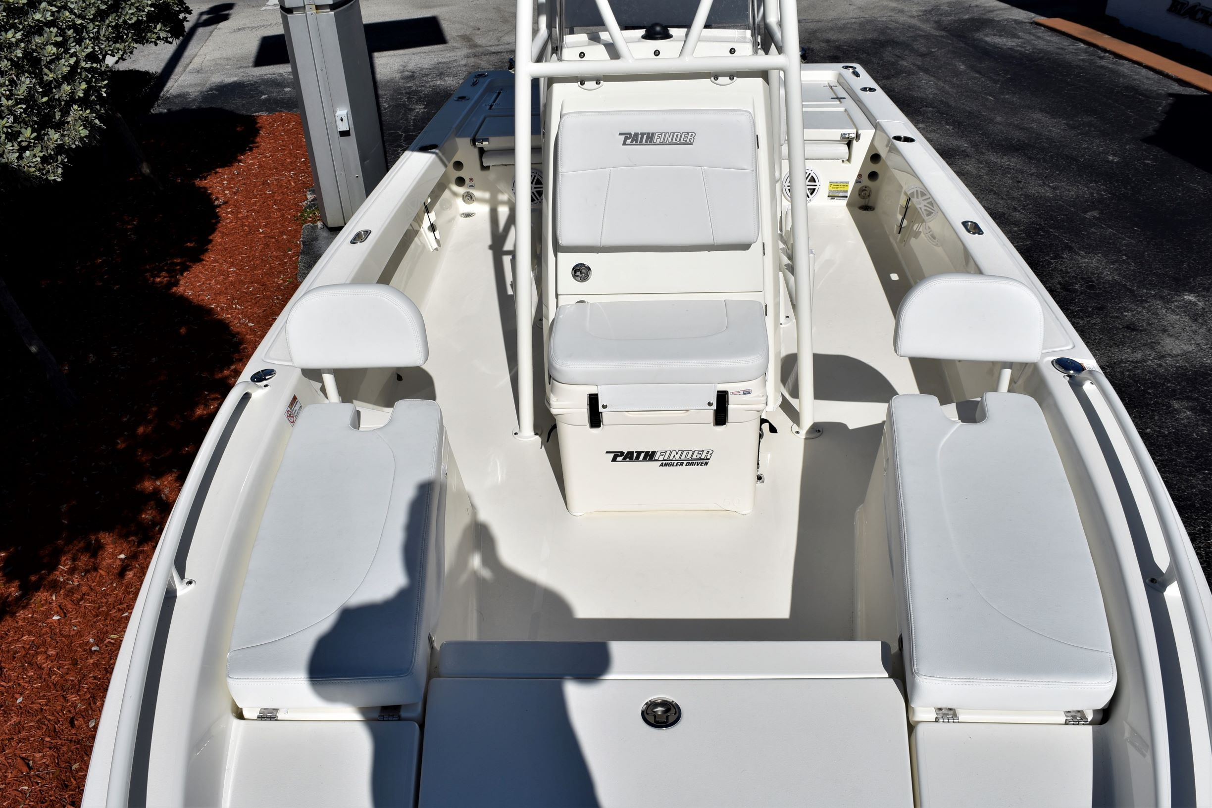 Thumbnail 14 for New 2020 Pathfinder 2200 TRS boat for sale in Vero Beach, FL