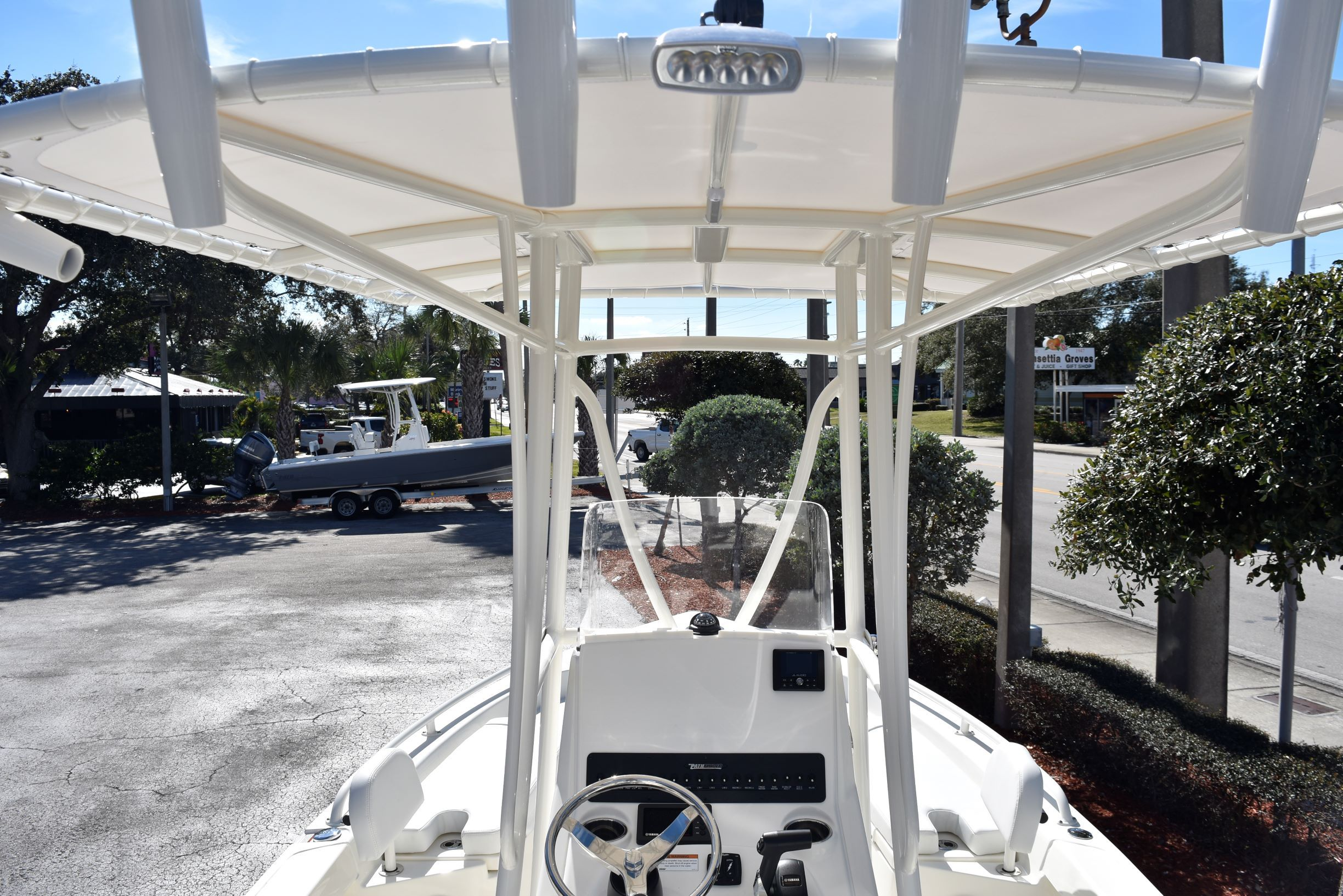 Thumbnail 10 for New 2020 Pathfinder 2200 TRS boat for sale in Vero Beach, FL