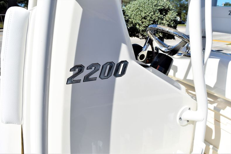 Thumbnail 15 for New 2020 Pathfinder 2200 TRS boat for sale in Vero Beach, FL
