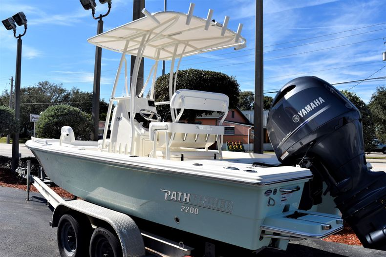 Thumbnail 3 for New 2020 Pathfinder 2200 TRS boat for sale in Vero Beach, FL