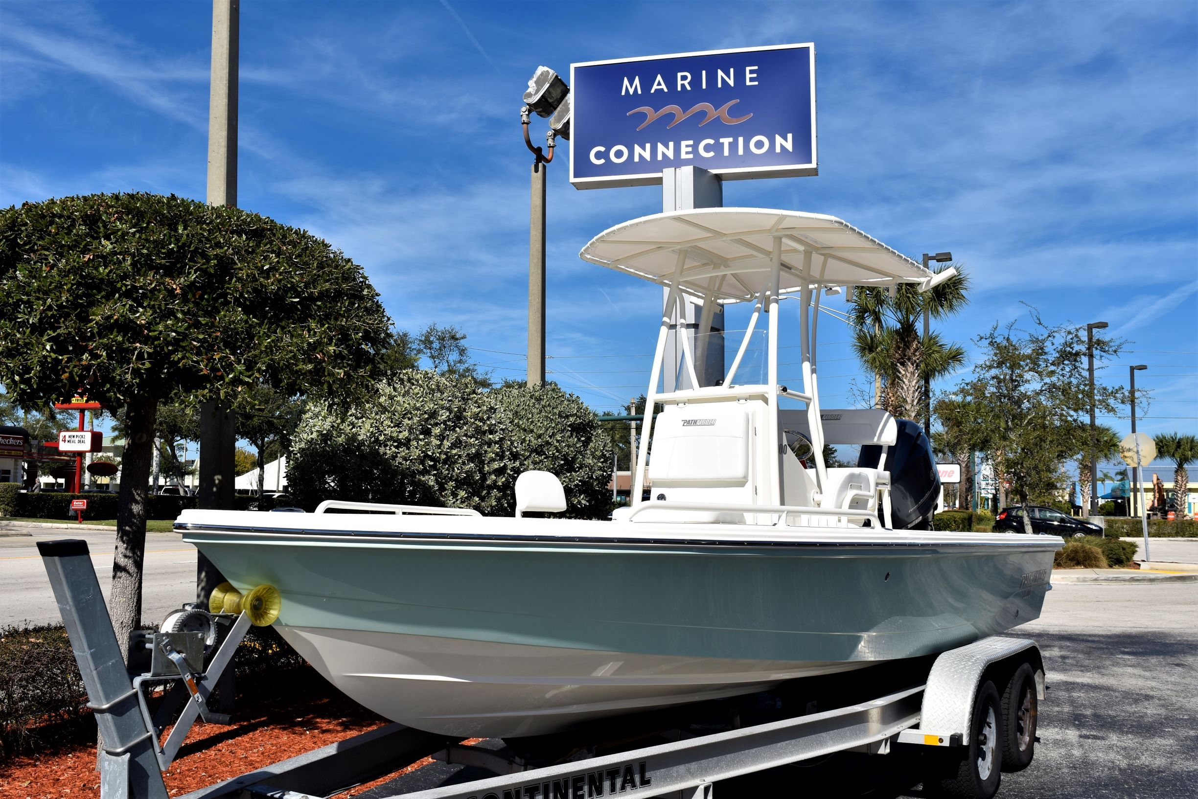 Thumbnail 1 for New 2020 Pathfinder 2200 TRS boat for sale in Vero Beach, FL
