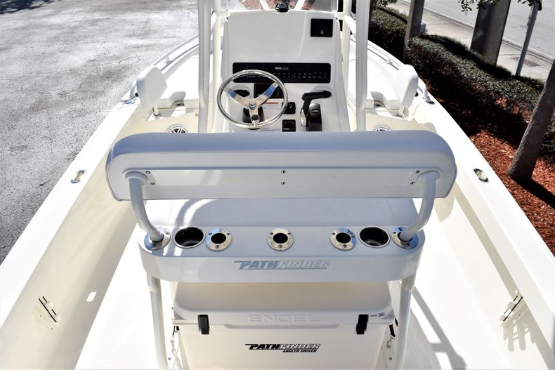Thumbnail 9 for New 2020 Pathfinder 2200 TRS boat for sale in Vero Beach, FL