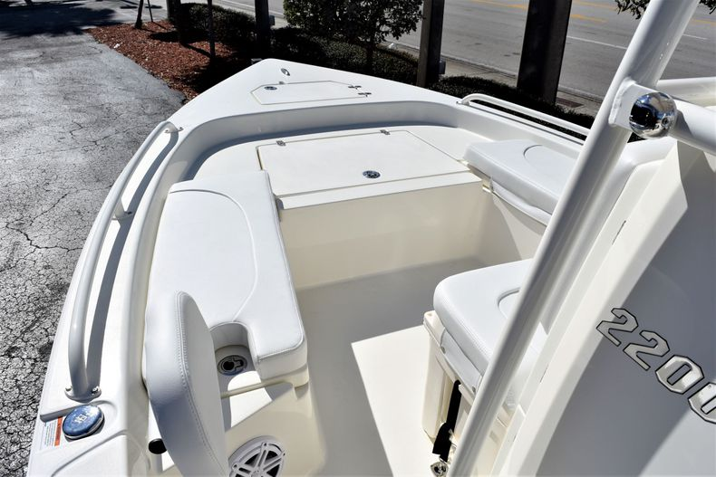 Thumbnail 12 for New 2020 Pathfinder 2200 TRS boat for sale in Vero Beach, FL