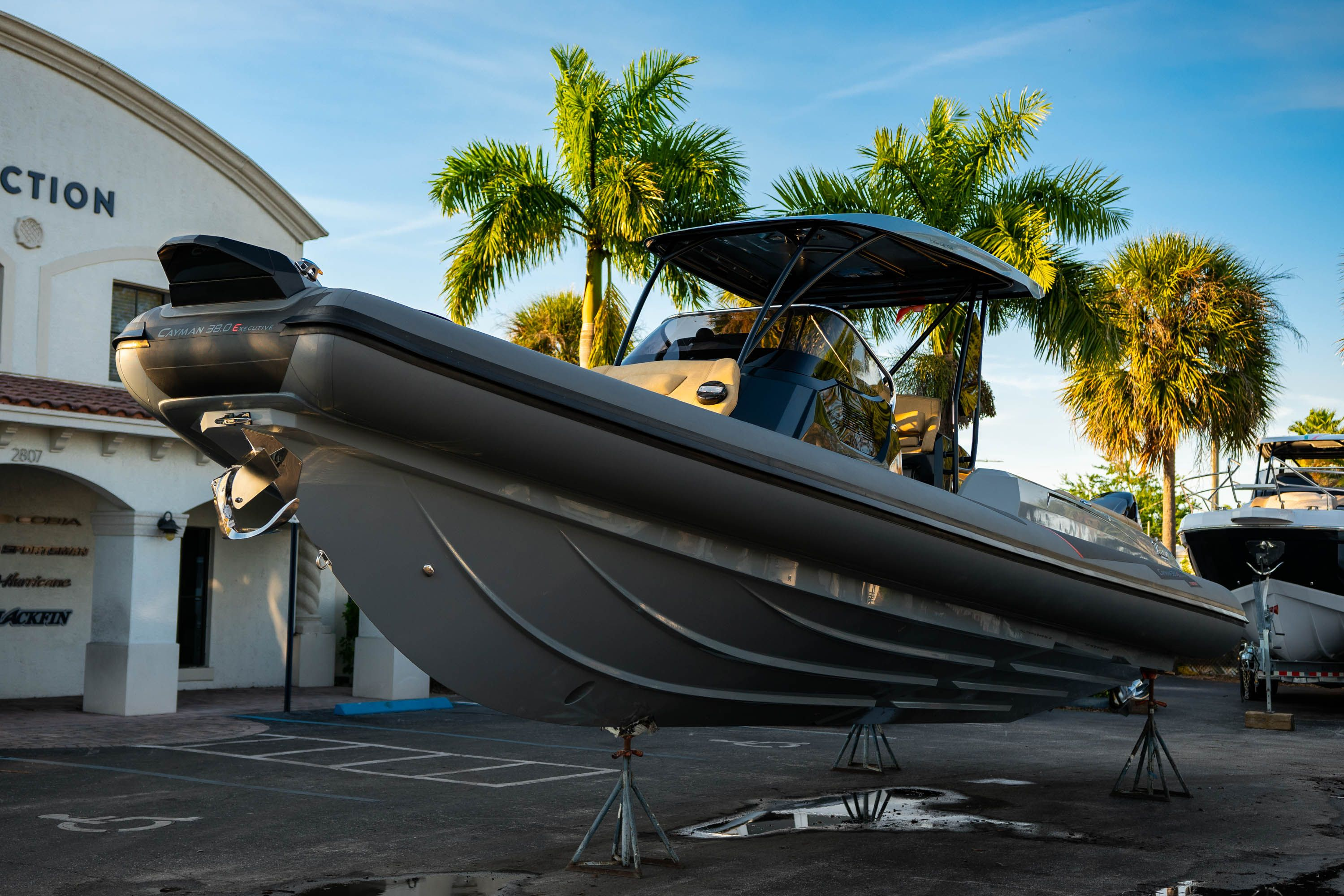 Thumbnail 8 for New 2019 Ranieri Cayman 38 Executive boat for sale in West Palm Beach, FL
