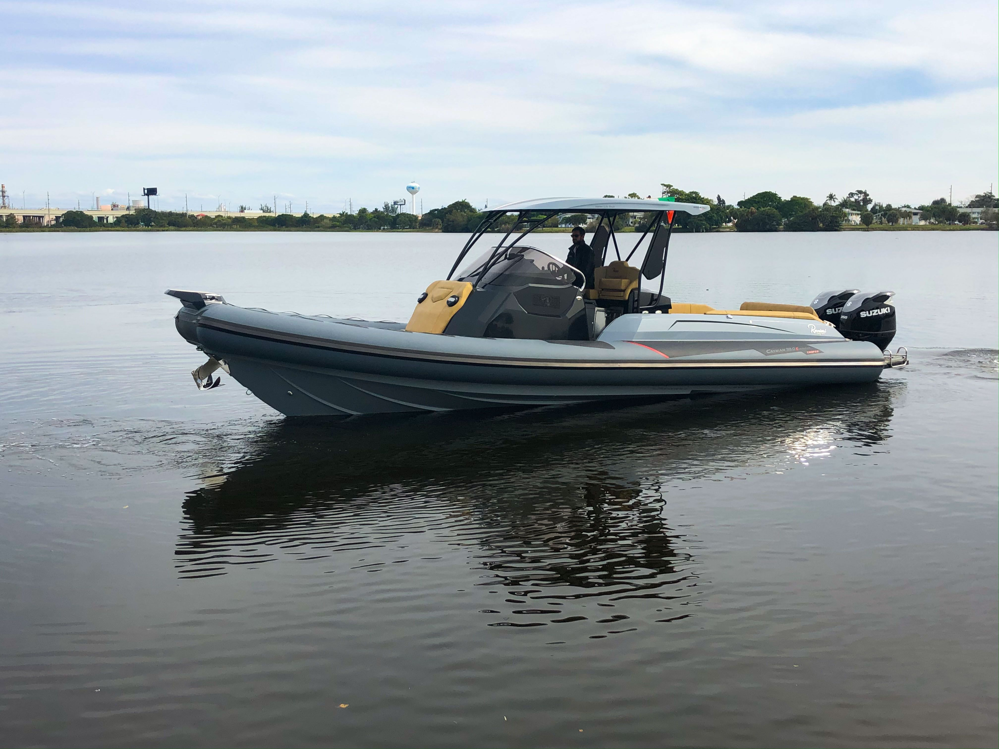 Thumbnail 50 for New 2019 Ranieri Cayman 38 Executive boat for sale in West Palm Beach, FL