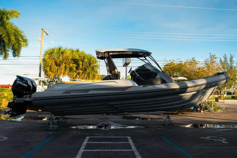 Thumbnail 5 for New 2019 Ranieri Cayman 38 Executive boat for sale in West Palm Beach, FL