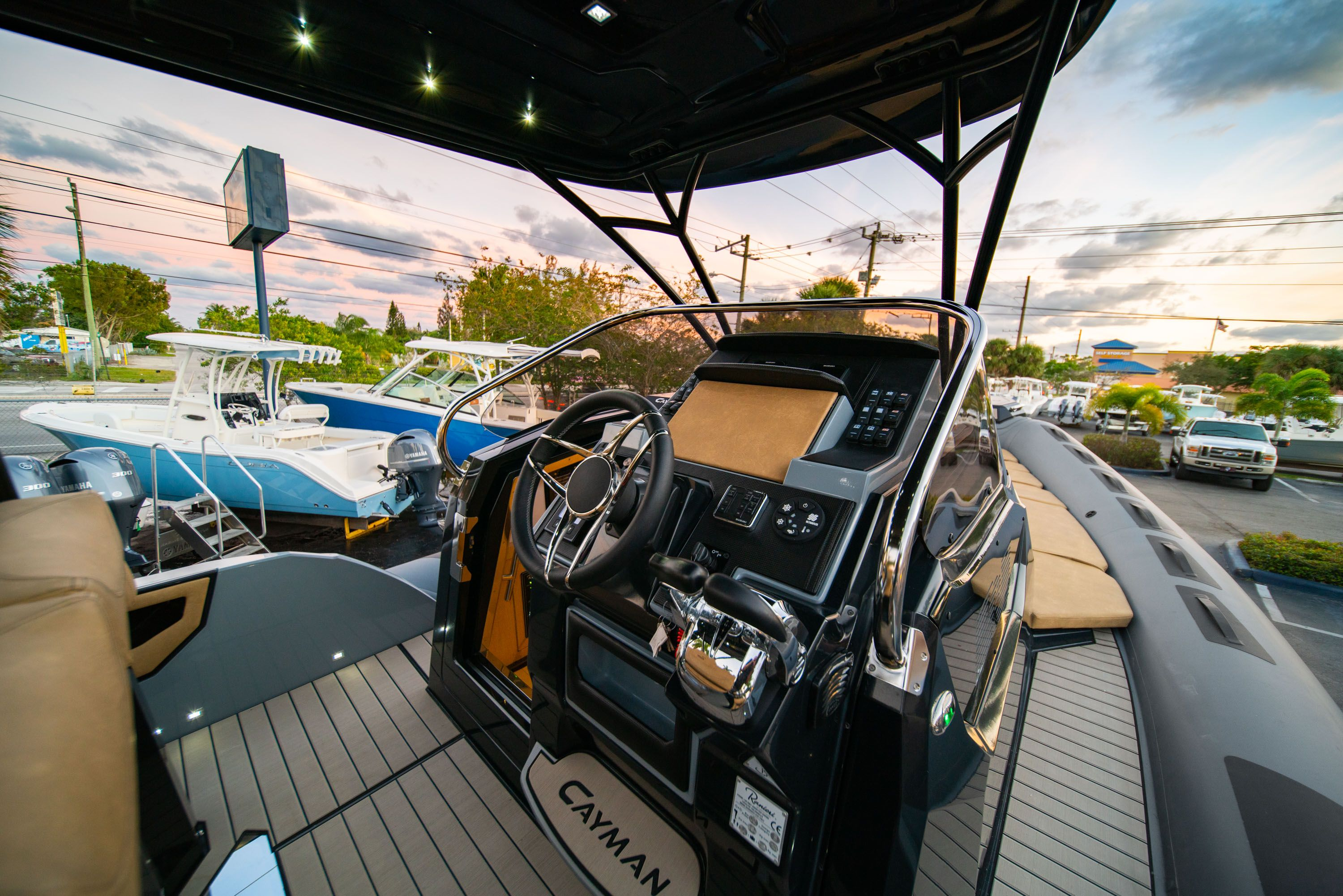 Thumbnail 29 for New 2019 Ranieri Cayman 38 Executive boat for sale in West Palm Beach, FL