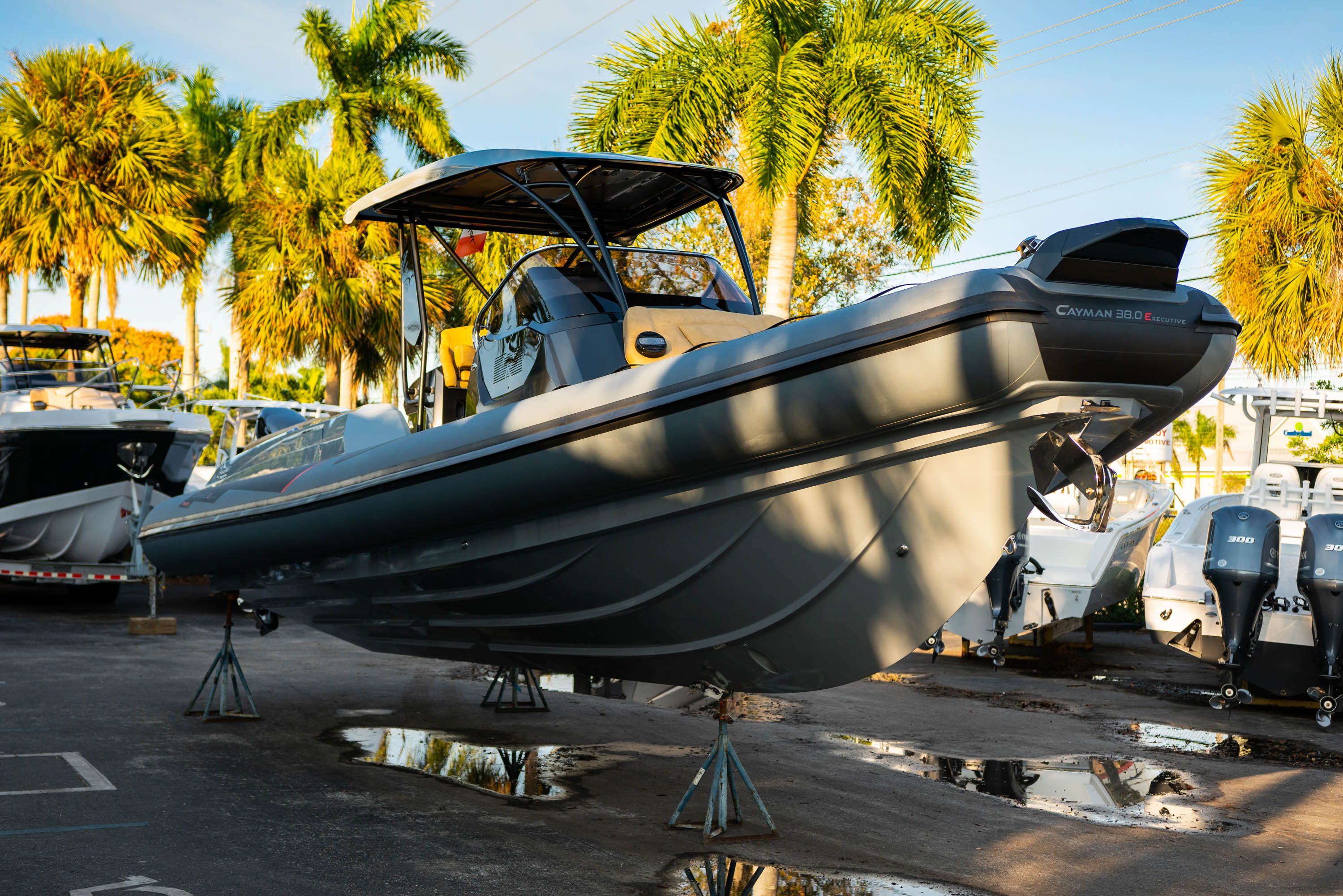 Thumbnail 6 for New 2019 Ranieri Cayman 38 Executive boat for sale in West Palm Beach, FL