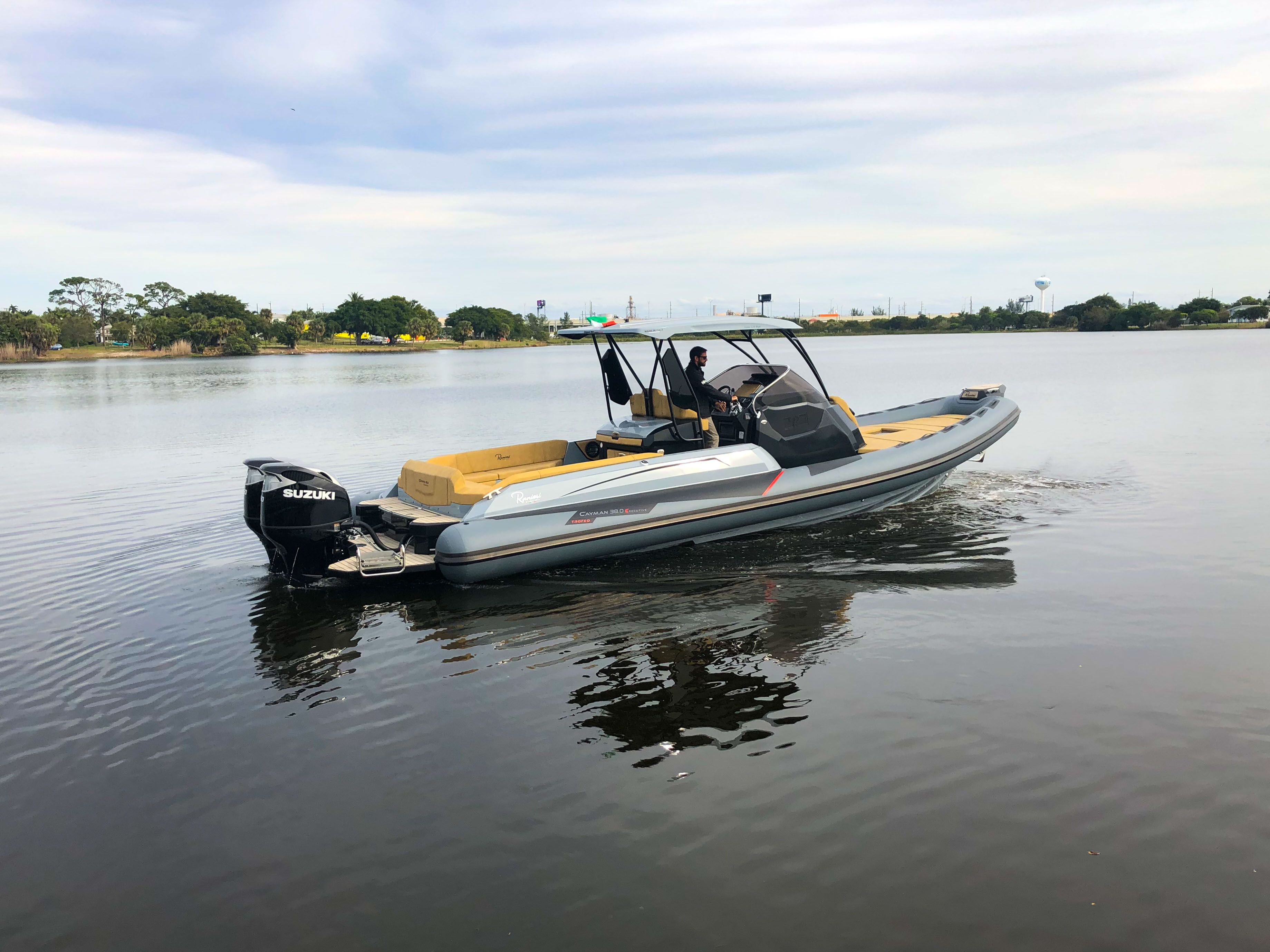 Thumbnail 52 for New 2019 Ranieri Cayman 38 Executive boat for sale in West Palm Beach, FL