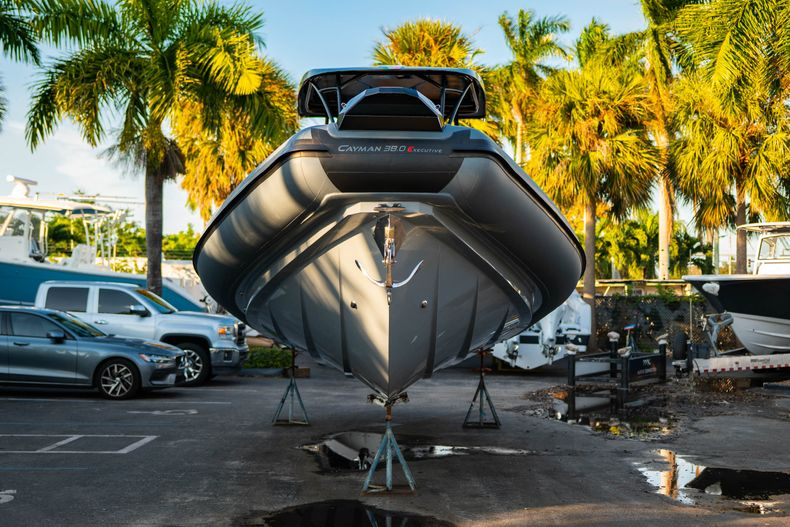 Thumbnail 7 for New 2019 Ranieri Cayman 38 Executive boat for sale in West Palm Beach, FL