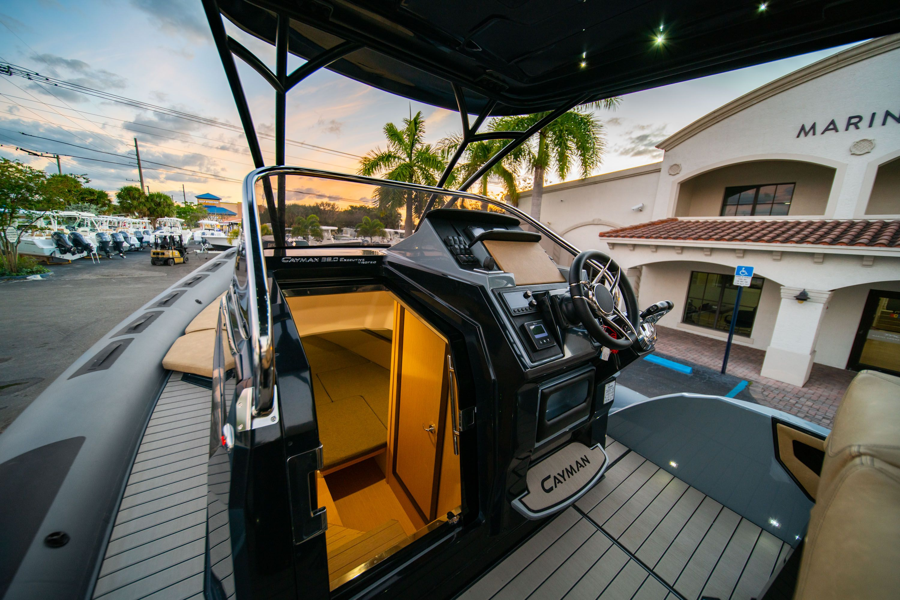 Thumbnail 24 for New 2019 Ranieri Cayman 38 Executive boat for sale in West Palm Beach, FL