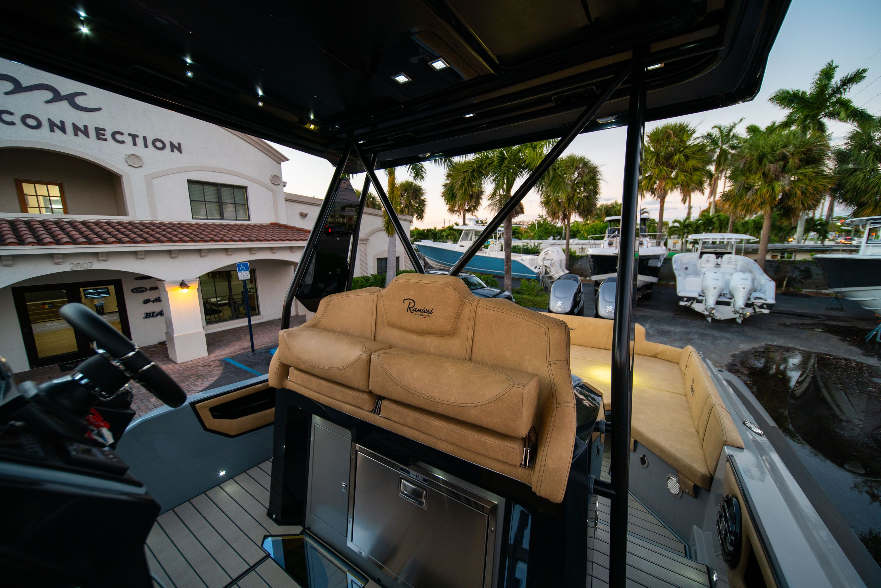 Thumbnail 30 for New 2019 Ranieri Cayman 38 Executive boat for sale in West Palm Beach, FL